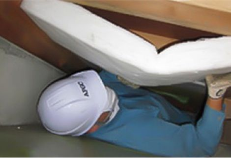 床ボード充填断熱施工